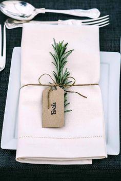 greenery wedding decor with thin string Wedding Trends, Trendy Wedding, Dream Wedding, Wedding Day, Elegant Wedding, Wedding Blush, Rustic Wedding, Wedding Flowers, Wedding Tips