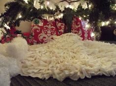 No Sew Ruffled Tree Skirt   Life With The Crust Cut OffLife With The Crust Cut Off