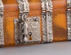 A Tortoiseshell Casket - Asian Civilisations Museum Treasure Boxes, Casket, Tortoise Shell, Civilization, Cabinets, Decorative Boxes, Museum, Asian, Pearls