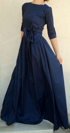 In Latino communities a quinceanera is just a revered coming… Mode Outfits, Fashion Outfits, 90s Fashion, Fashion Tips, Dress Skirt, Dress Up, Mother Of Groom Dresses, Mob Dresses, Groom Outfit