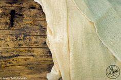 Gasa tejida artesanalmente en telar