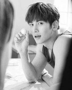 I want to have his babies Ji Chang Wook Smile, Ji Chang Wook Healer, Ji Chan Wook, Korean Star, Korean Men, Drama Korea, Korean Drama, Asian Actors, Korean Actors