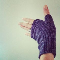 Ravelry: recipe of the month :: align mitts pattern by Courtney Spainhower