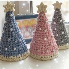 Crochet Christmas Decorations, Christmas Tree Pattern, Crochet Christmas Ornaments, Christmas Knitting Patterns, Holiday Crochet, Christmas Toys, Christmas Snowman, Handmade Christmas, Crochet Diy