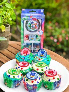PJ Masks Party Cupcakes! #pjmasks 4 Year Old Boy Birthday, King Birthday, Birthday Cup, Third Birthday, 4th Birthday Parties, Birthday Party Decorations, Pj Mask Cupcakes, Party Cupcakes, Pj Mask Decorations