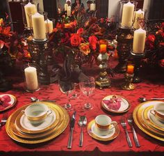 M&M Special Events set a lavish table using a fall-theme color palette, at IdeaFest