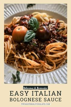 This is a delicious and easy recipe for a hearty and aromatic Italian bolognese pasta sauce. 5 flavourful magic ingredients are essential for this delicious recipe. Its ideal for meal prep and a great base for lasagne or chili con carne. Pasta Sauce Recipes, Easy Pasta Recipes, Easy Meals, Noodle Recipes, Delicious Recipes, Italian Dishes, Italian Recipes, No Carb Pasta, Carrot Pasta