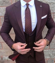 2017 New Burgundy Groom Wear mens suit Tuxedo 3 Pieces Wedding Suits for men (Jacket+Pants+vest) Formal Business terno masculino Der Gentleman, Gentleman Style, Blazer Fashion, Mens Fashion Suits, Best Mens Suits, Classy Mens Fashion, Fashion Menswear, Timeless Fashion, Fashion Mode