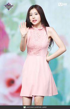 Yu Jin, Japanese Girl Group, Kim Min, Stage Outfits, First Girl, Girl Day, Beautiful Asian Girls, Kpop Girls, Female