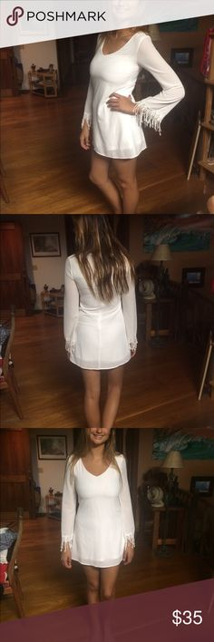 White long sleeved evening dress I've been complimented on this dress so many times! Slight stain below left breast area, Not noticeable unless someone's face is 6 inches away from that area ✌🏽️ Forever 21 Dresses Midi