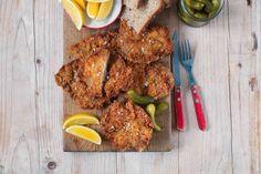 Česnekové řízky z krkovice v trojobalu Tandoori Chicken, Chicken Wings, Food And Drink, Meat, Ethnic Recipes, Buffalo Wings