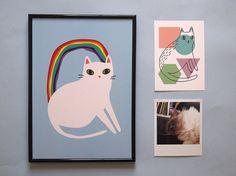 Impression irisée de lA4 Cat - impression chat (sans cadre)  Ce petit chaton blanc a un secret... il est fait darcs-en-ciel !  Cette haute qualité A4 (210 x 297mm) impression capture parfaitement les couleurs vives de mon illustration originale. Il a été professionnellement imprimé sur beau papier épais texturé, prêt à être encadré et accroché. Vous navez un cadre ? Limpression semble aussi super mignonne accroché avec jolie Washi tape !  Parfait pour les amoureux des chats pour leur maison…
