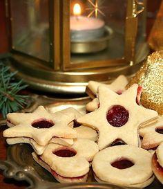 Oblíbené linecké vánoční cukroví ve variantě pro diabetiky. Waffles, Food And Drink, Cookies, Drinks, Breakfast, Desserts, Christmas, Diabetes, Advent