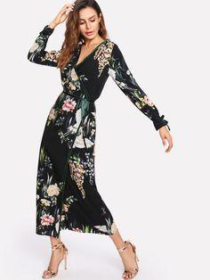 Модное платье с запахом и цветочным принтом