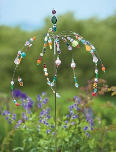 Dancing Garden Jewels Stake. I want to make some of these.
