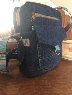 Pochette Jive en jean et sangles colorées cousue par Christine - Patron Sacôtin