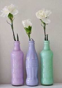 DIY flower vases - great way to upcycle some old bottles while giving your room some color!