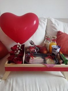 Birthday Present For Boyfriend, Presents For Boyfriend, Friend Birthday Gifts, Gifts For Husband, Boyfriend Gifts, Breakfast Tray, Birthday Breakfast, Flower Box Gift, Balloon Decorations Party