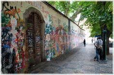 wall, Prague