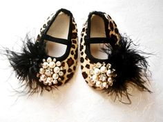 How cute!~ Glamour baby girl shoes,Booties -Baby Crib Shoes - Leopard Baby shoes.