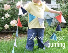 Nalle's House: HAND-KNIT BUNTING