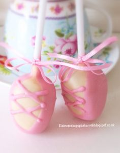 Elaine's Cake Pop Bakery: Pretty pink ballet shoes cake pops