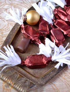Meggyzselés szaloncukor recept - Kifőztük, online gasztromagazin Christmas Candy, Christmas Cookies, Christmas Holidays, Xmas, Homemade Chocolate, Chocolate Recipes, My Recipes, Real Food Recipes, Advent