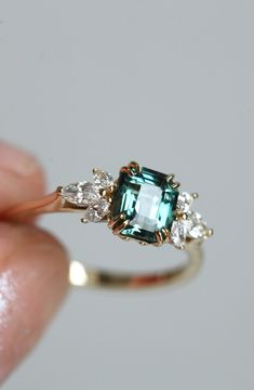 Details about  /2Ct Baguette Cut Green Emerald Minimalist Wedding Band Ring 14K Yellow Gold Over