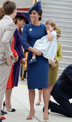 Gardrop Kedisi: Kate Middleton Kanada Turu: Jenny Packham elbise