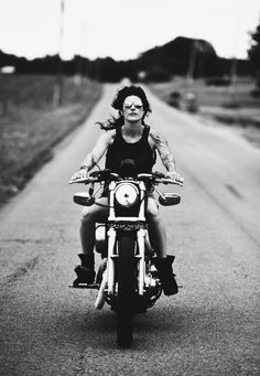 Sabrina cruisin the Tennessee countryside yesterday on her Harley-Davidson 883. Photo by © Yve Assad