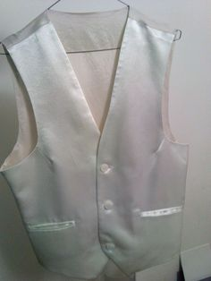 3c78e78b0 Encontrá Chaleco De Vestir Blanco Muy Elegante - Ropa y Accesorios en Mercado  Libre Argentina. Descubrí la mejor forma de comprar online.