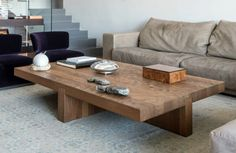 Looking to build your own coffee table? We've got you covered- we've compiled a list of 18 DIY coffee table plans- check out the free plans! Diy Coffee Table Plans, Simple Coffee Table, Large Coffee Tables, Coffee Table Design, Large Table, Simple Sofa, Coffe Table, Table Furniture, Furniture Design
