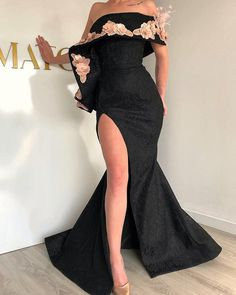Black & gold embroidered tight gown haute couture в 2019 г. Formal Dresses For Teens, Elegant Dresses For Women, Gowns For Girls, Fabulous Dresses, Pretty Dresses, Beautiful Dresses, Short Dresses, Mode Glamour, African Fashion Dresses