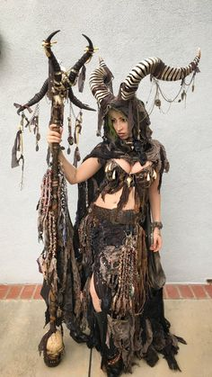 /r/cosplay: for photos, how-tos, tutorials, etc. Cosplayers (Amateur and Professional) and cosplay fans welcome. Mononoke Cosplay, Post Apocalyptic Costume, Apocalyptic Fashion, Renaissance Fair, Renaissance Festival Costumes, Renaissance Clothing, Medieval Fantasy, Medieval Gown, Headdress