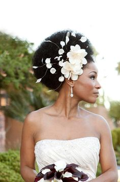Black bride with an afro wearing a flower fascinator by BoutiqueDeBandeaux Kinky Curly Hair, Curly Hair Styles, Natural Hair Styles, Afro Hair, Curly Girl, Natural Bridal Hair, Natural Updo, Natural Beauty, Natural Twists