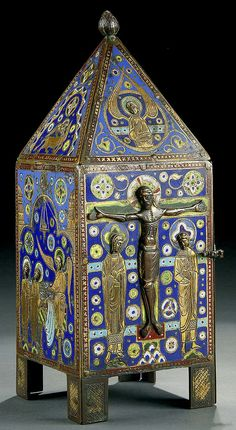 A Limoges Gilt - Copper and Champlevé Enamel Tabernacle, Century. Medieval Art, Renaissance Art, Romanesque Art, Art Roman, Ceramic Boxes, Fabric Boxes, Historical Art, Objet D'art, Dark Ages