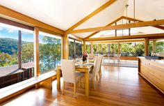 Cozy Interior with Rustic Elements: Treetops by Bruce Rickard, Sydney, Australia