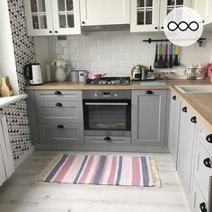 144 best small kitchen design ideas for your tiny space 18 ~ thereds. Apartment Kitchen, Home Decor Kitchen, Interior Design Living Room, Home Kitchens, Kitchen Ideas, Kitchen Furniture, Furniture Ideas, Grey Kitchen Cabinets, Küchen Design