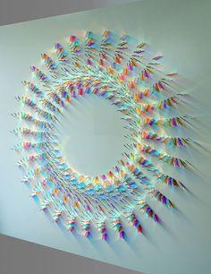Brittiska konstnären Chris Wood  Det som den här kvinnan gör med färgat glas är oväntat vackert - Sköna hem