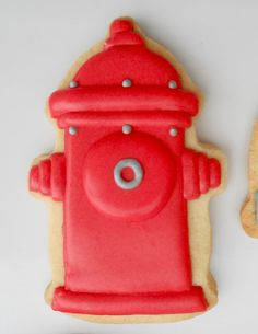 Fire Hydrant Cookies (Oh Sugar Events) Paint Cookies, Dog Cookies, Cookies For Kids, Iced Cookies, Cute Cookies, Royal Icing Cookies, Cupcake Cookies, Sugar Cookies, Fancy Cupcakes