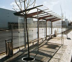 regio Bus stop shelter mmcité Landscape Elements, City Landscape, Landscape Design, Urban Furniture, Street Furniture, Bus Stop Design, Form Architecture, Bus Shelters, Covered Walkway