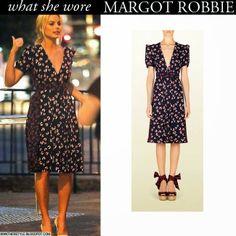 Margot Robbie in blue print silk dress by Gucci Want Her Style #margotrobbie #dress #fashion #gucci