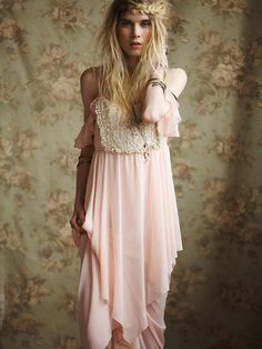 love this boho look - boho - ☮k☮ Gypsy Style, Hippie Style, Bohemian Style, Boho Gypsy, Hippie Chic, Look Boho, Look Chic, Mode Outfits, Dress Outfits