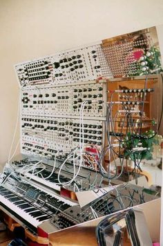 Holly shit this is a nice modular synth system