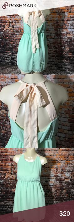 Beautiful Lulus top/dress Beautiful mint top with gorgeous loop tie in the back! Size medium Lulus Tops