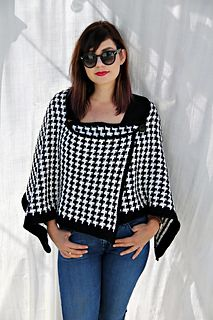 How amazing is this? I love the retro houndstooth pattern, and the designer has used it well in creating this perfect crochet shawl! A nice break from the traditional lace wraps, this houndstooth sh Crochet Shawls And Wraps, Crochet Scarves, Crochet Clothes, Crochet Hats, Crochet Dresses, Tunisian Crochet Patterns, Shawl Patterns, Crochet Stitches, Lace Patterns