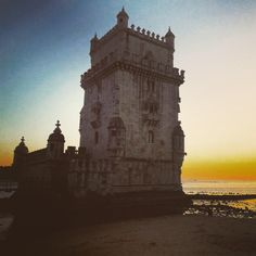Stunning Sunset by Belém District. When you think that it was from here that the Portuguese sea expeditions started 500 years ago, it becomes even more magical. #belem #belemtower #sunset #magical #ageofdiscovery #manuelinestyle #architecture #lisbon #portugal #history #heritage #lisbontailoredtours #lisbonwithpats