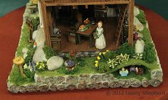 1:48 Scale Projects from the Fall 2012 Seattle Dollhouse Show: Placement That Draws the Eye