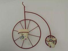 hierros-artisticos-decoracionartesanias-mariposas-buhos-bici-D_NQ_NP_884411-MLA20572346541_022016-F.webp (960×720)