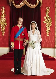 HRH Prince William and Ms Catherine Middleton - the Duke and Duchess of Cambridge. Royal wedding 2011 official portraits by Hugo Burnand -- Kate Middleton's Wedding Dress designed by Sarah Burton (Alexander McQueen) William Kate, Prince William And Catherine, William Arthur, Duke William, William Windsor, Prins William, Prince Philip, Royal Wedding 2011, Royal Weddings